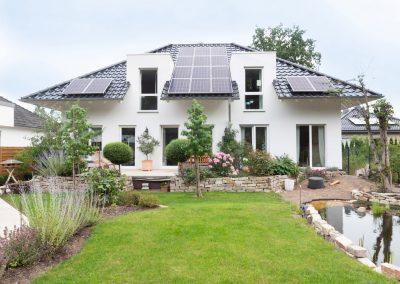 Kernsaniertes Haus mit Schwimmbadtechnikund Photovoltaik-AnlageProjekt 160030